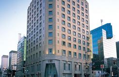 博多天神駅より徒歩2分。1ランク上の一時を過ごすホテルモントレラ・スール福岡に泊まる1泊2日
